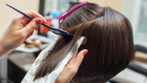 красить волосы женщине