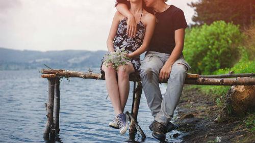 любовь между девой и девой
