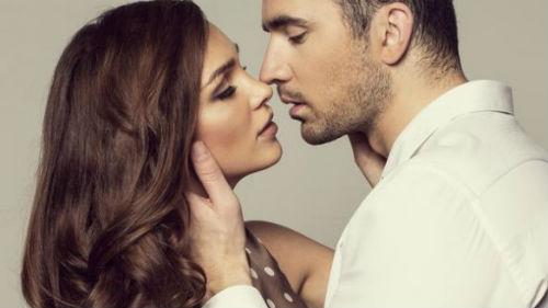 страстный поцелуй в июне
