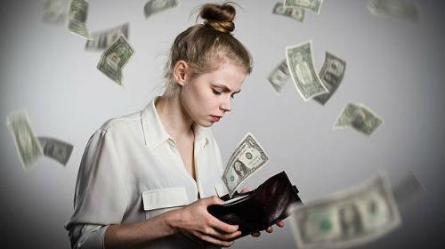 водолей денежный астропрогноз в августе